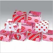 MADELAINE VALENTINE MILK CHOCOLATE MINI PRESENTS